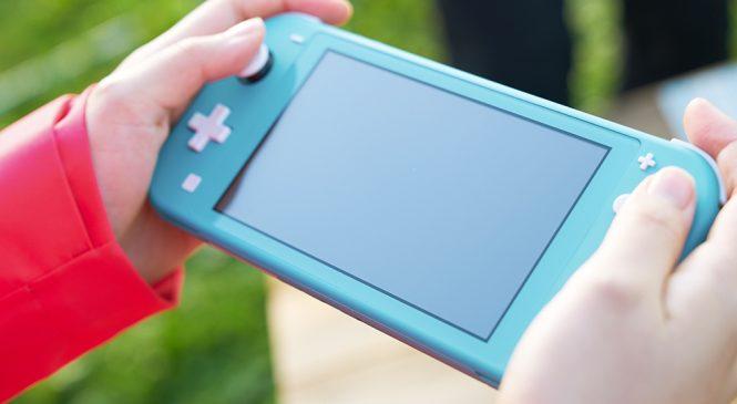 Nintendo Switch Lite Türkiye'de Resmi olarak Satışta!